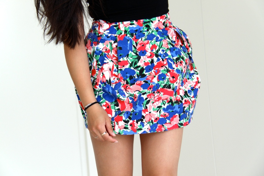 flower skirt, outfit